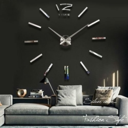 digitale wanduhr wohnzimmer inspiration ber haus design. Black Bedroom Furniture Sets. Home Design Ideas