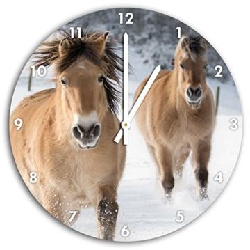 Pferde im Schnee, Wanduhr Durchmesser 30cm mit weißen spitzen Zeigern und Ziffernblatt, Dekoartikel, Designuhr, Aluverbund sehr schön für Wohnzimmer, Kinderzimmer, Arbeitszimmer - 1