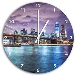 Skyline New York bei Nacht, Wanduhr Durchmesser 30cm mit weißen spitzen Zeigern und Ziffernblatt, Dekoartikel, Designuhr, Aluverbund sehr schön für Wohnzimmer, Kinderzimmer, Arbeitszimmer - 1