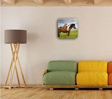 zwei Pferde auf der Wiese, Wanduhr Quadratisch Durchmesser 28cm mit weißen eckigen Zeigern und Ziffernblatt, Dekoartikel, Designuhr, Aluverbund sehr schön für Wohnzimmer, Kinderzimmer, Arbeitszimmer - 2